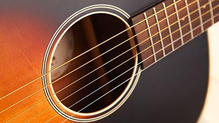 Gitara akustyczna a gitara klasyczna