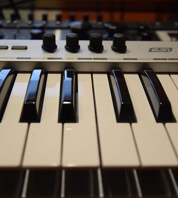 Zakup pedałów do instrumentów elektronicznych- nie taka prosta sprawa