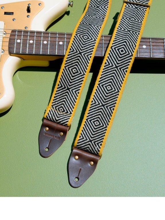 Pasek, futerał, kabel gitarowy