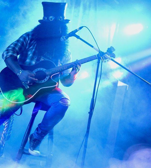 Jak wybrać gitarę elektroakustyczną?