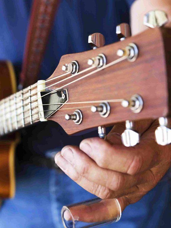 Trzy sposoby na szybkie nastrojenie gitary