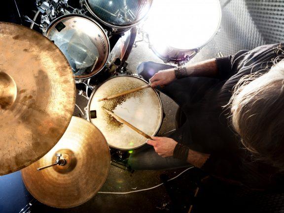 Techniki werblowe podstawą gry na zestawie perkusyjnym