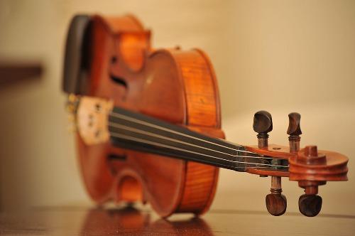 Odpowiedni dobór i konserwacja strun w instrumentach smyczkowych