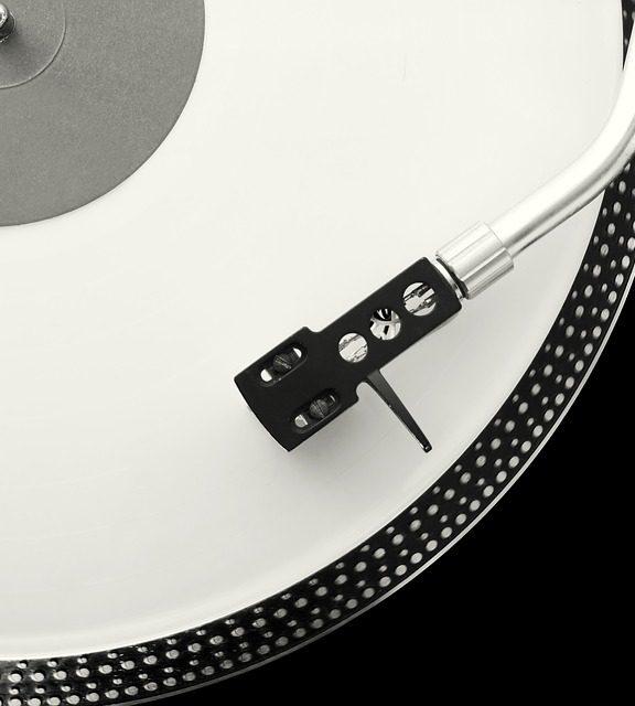 Od Edisona i Berlinera do współczesności. Techniczne aspekty gramofonu.