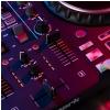 Numark MixTrack Platinum FX - 4-kanałowy kontroler DJ z wyświetlaczami