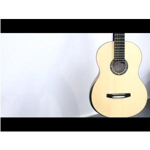 Buduje gitary ze starożytnego drewna